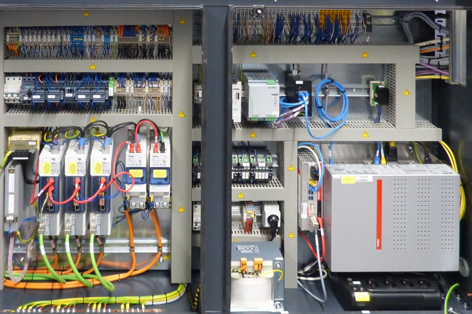 Switch cabinet of a press automation system